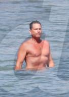 PEOPLE - Rob Lowe badet zur Abkühlung in Santa Barbara