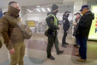 NEWS - Coronavirus: Nur Pendler mit spezielle Ausweise dürfen die öffentlichen Verkehrsmittel in Kiev benutzen