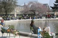 NEWS - Coronavirus: Osterwochenende im Jardin des Tuileries in Paris