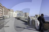 NEWS - Coronavirus:  Polizeipräsenz im menschenleeren Neapel