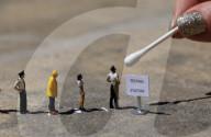 FEATURE - Künstler Roy Tyson kreiert witzige und verblüffende Bilder mit Miniaturfiguren