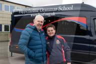 FEATURE -  Erste Hilfe in der Schule gelernt: Henry Collett rettet seinem Vater mit einer Herz-Lungen-Reanimation das Leben