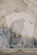FEATURE - Die höchsten Töne: Klavierstimmer Desmond O'Keeffe bringt ein Klavier in das 4000 Meter hoch gelegene Dorf Lingshed im indischen Himalaya
