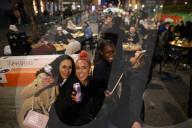 NEWS - Coronavirus: Manchester am Abend der Lockerungen
