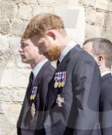 ROYALS - Beerdigung von Prinz Philip: Familie schreitet hinter dem Sarg