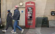 FEATURE - Kurioses Auktionsgut: Eine Telefonzelle in Oxford kommt mit einem Mindestgebot von 15000 Pfund in die Versteigerung