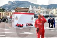 SPORT - Jean Alesi crasht im Niki Lauda-Ferrari am historischen Grossen Preis von Monaco