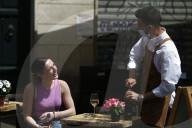 NEWS - Coronavirus: Nach langem Shutdown - Italiens Gastronomie darf wieder servieren