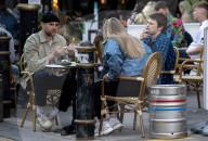 NEWS - Coronavirus: Aussenbereiche von Bars und Restaurants in Wales wieder geöffnet