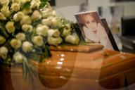 PEOPLE - Trauer um Sängerin Milva: Fans nehmen Abschied am aufgebahrten Sarg im Piccolo Teatro in Mailand
