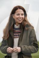 ROYALS - Herzogin Catherine steuert einen Traktor in Durham
