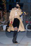 PEOPLE - Gigi Hadid in Louis Vuitton beim Verlassen eines Fotoshootings in NYC