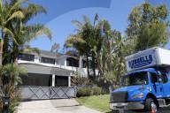 PEOPLE - - Laeticia Hallyday verkauft für 15 Millionen Dollar das Haus in Brentwood, in dem sie mit Johnny Hallyday gelebt hat