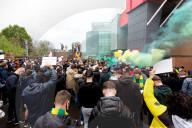 SPORT - Weiterhin Proteste gegen die Super League: Demo und Platzsturm vor dem Premier League Spiel Manchester United gegen Liverpool
