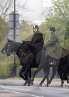 ROYALS - Prinz Andrew beim Ausritt im Park von Schloss Windsor