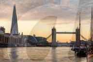 FEATURE -  Schwimmendes Zuhause im Herzen Londons: Ein 60 Jahre altes englisches Lastkahn Hausboot mit vier Kabinen wird für 875'000 Pfund zum Kauf angeboten