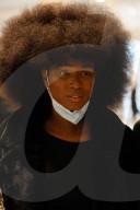 NEWS - Französische Black Lives Matter-Aktivistin wegen Verleumdung vor Gericht