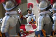 NEWS - Vereidigung der Päpstlichen Schweizergarde im Vatikan