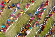 FEATURE -   Dreitausend Menschen betrauern einen Einheimischen in Bangladesch