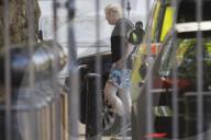 NEWS - Premierminister Boris Johnson kommt nach seiner Morgentraining an der Rückseite der Downing Street an
