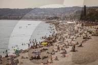 NEWS - Sommerliche Stimmung am Strand von Nizza