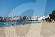 NEWS - Coronavirus: Unbelebte Strände auf Ibiza