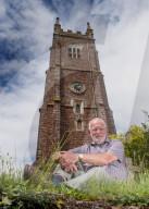 FEATURE - Zum Schweigen gebracht: Die Glocken der Allerheiligen-Kirche in Kenton werden mit einem Schalldämpfer ausgestattet