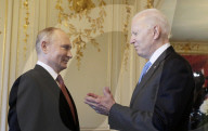 NEWS - Genf: Wladimir Putin  und US-Präsident Joe Biden schütteln sich die Hände