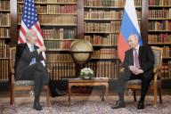 NEWS - Genf: Putin und Biden begrüssen sich