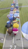 FEATURE - Up, up and away: Start von 31 Heissluftballons vom Flughafen Bristol