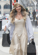 PEOPLE - Sarah Jessica Parker am Set des 'Sex And The City'-Revivals 'And Just Like That'