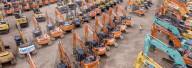 FEATURE - Vor der Versteigerung: Ein Heer von Baggern und Baumaschinen in Maltby, UK