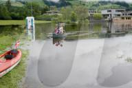 NEWS - Hochwasser Schweiz: 50 Haeuser in Giswil beim Sarnersee sind nur noch uebers Wasser erreichbar