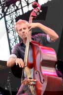 PEOPLE - Kyle Eastwood, Bassist und Sohn von Clint Eastwood, tritt am Nizza Jazz Festival auf