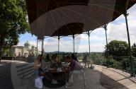 NEWS - Sommerlicher Alltag in Bern