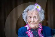 FEATURE - Geheimnis zum 108 Geburtstag enthüllt: Londons älteste Bürgerin Betty Spear schwört auf harte Arbeit und ein Gläschen Whisky