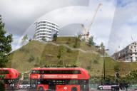 NEWS - London macht sich hässlich: Neuer Kunsthügel am Marble Arch