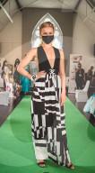 FEATURE - Öko-Modewettbewerb: Mehr als 40 Miss England Teilnehmerinnen modeln in Garderobe aus nachhaltigen Materialien