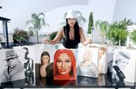 FEATURE -  Debbie Wingham zeichnet prominente Gesichter auf Einkaufstüten