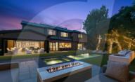 PEOPLE - John Fogerty hat sein Haus in Encino, Los Angeles, für 7,9 Millionen Dollar verkauft
