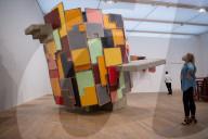 NEWS - Phyllida Barlow Ausstellung in der Tate Modern, London