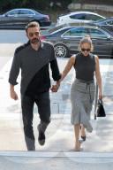 PEOPLE - Ben Affleck und Jennifer Lopez tragen passende Outfits beim Einkaufen in LA