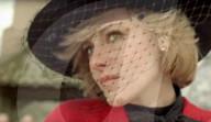 """PEOPLE - Kristen Stewart bricht als Prinzessin Diana im """"Spencer""""-Filmtrailer in Tränen aus"""