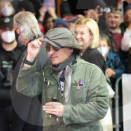 PEOPLE -  Johnny Depp landet in Karlsbad