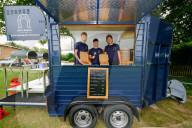 FEATURE - Pizza aus dem Pferdewagen: Das von drei Teenagern gegründete Start Up Dirty Donkey Ltd aus Solihull