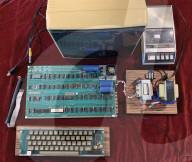 FEATURE - Ein voll funktionsfähiger Apple-1-Computer ist für 350'000 Franken verkauft worden