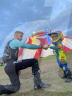 FEATURE - In den Fussstapfen seines Onkels: Der furchtlose Pedro Pavlov will eine atemberaubende Zirkusnummer im Netzkugelball fahren