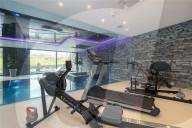 SPORT -  Ronaldo hat eine sechs Millionen Pfund teure Villa in Cheshire bezogen