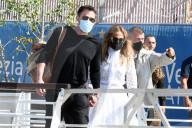 PEOPLE - Filmfestival Venedig: Das Hollywood-Paar Ben Affleck und Jennifer Lopez trifft in Venedig ein