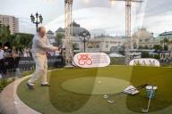 ROYALS - Prinz Albert von Monaco spielt ein 19. Loch auf dem Casino-Platz in Monte Carlo
